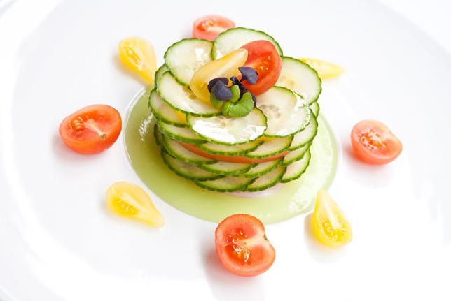 A la mesa una ensalada con la que siempre aciertas for Decoracion de ensaladas