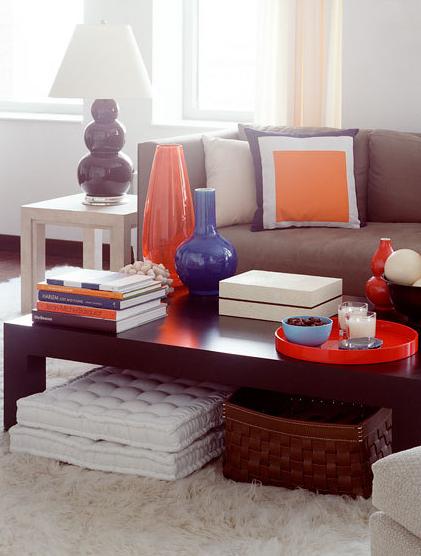 Ten a mano cojines de suelo para crear asientos adicionales - Cojines para sentarse ...